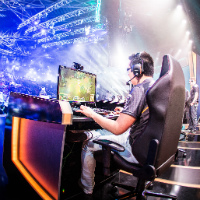 Survey: Americans under 35 like eSports as much as actual sports