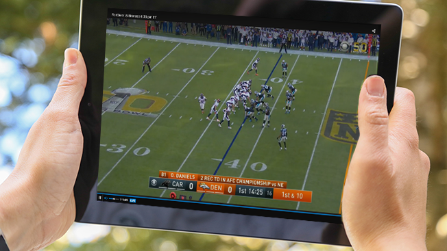 superbowl-tablet-streaming-hed-2016 5 Best Sites to Watch NFL Streaming